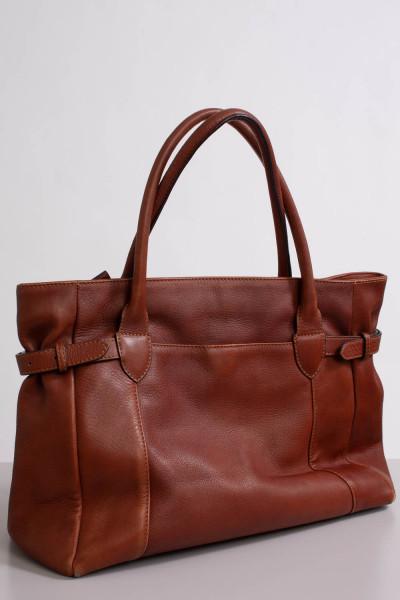 Brun väska, Boomerang